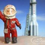 Ватная игрушка космонавт