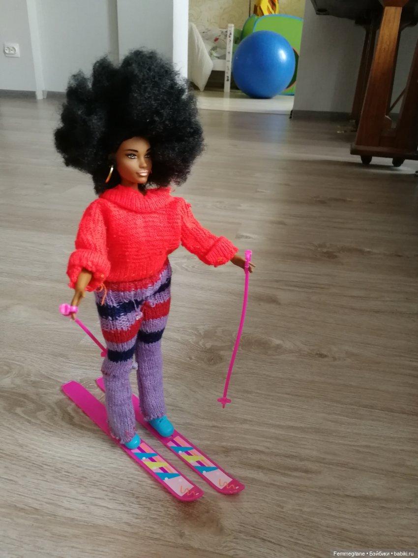 Любительница нового - уже на следующий день встала на лыжи.