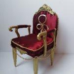 Кресло красное для кукол