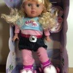 Кукла на роликах новая в коробке