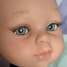 Куколка гибрид на теле пола рейна живые глазки