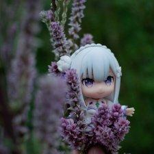 Эмилия в саду