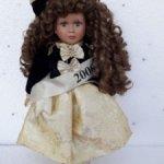 Немецкая фарфоровая кукла Bella Moda