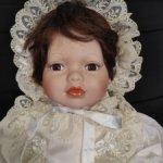Фарфоровая кукла винтажная