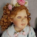 Рыженькая фарфоровая девочка Микала