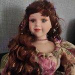 Фарфоровая кукла от Court of Dolls