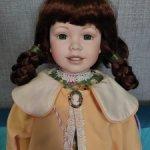 Фарфоровая кукла Kendra от Court of Dolls