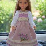 сарафан с вышивкой и блузка для кукол Паола Рейна