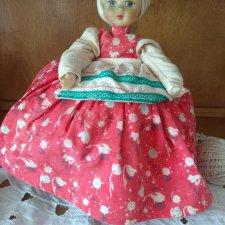 Прошу помочь с  годом выпуска этой куклы - грелки