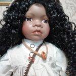 Фарфоровая кукла темнокожая
