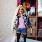 Barbie шарнирная с ресницами Glam Luxe Style BLR55