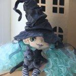 Ведьмочка и кот, грунтованный текстиль, шерсть.