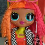 Кукла LOL OMG Neonlicious