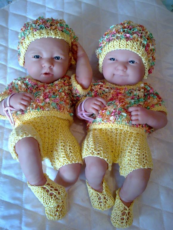 Мои куколки - двойняшки-очаровашки в обновочках