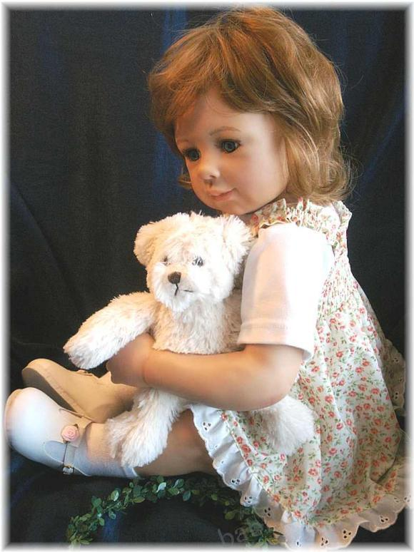 Девочка и медведь - коллекционная кукла от Моники Левениг - Аннеке