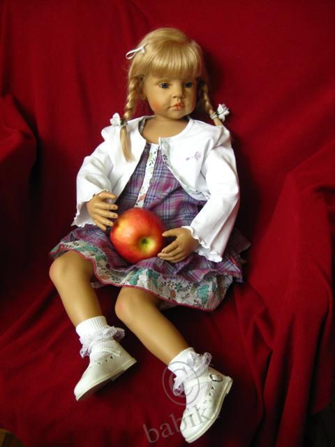 Новый наряд  для куклы Анны-Пхилы