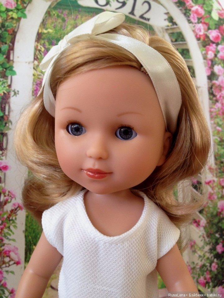 честно фото кукол из испании продукция имеет насыщенные