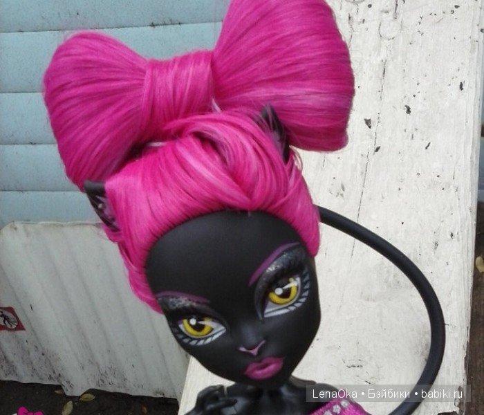 Очень красивые кудряшки получились, только жаль, что вы не сделали фото красавицы-куколки с полностью завершенной прической!