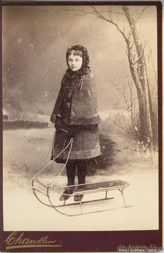 Japan christmas s sled girl — photo 15